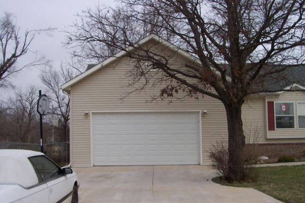 b-and-r-custom-garage4